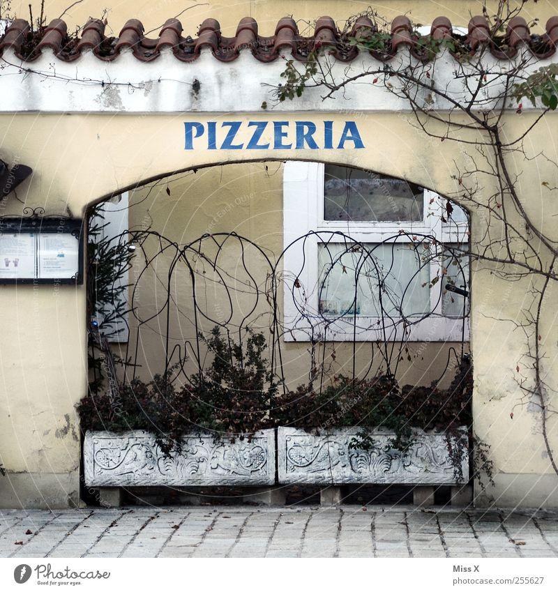 1A Pizza alt Fenster Wand Mauer Fassade Ernährung Restaurant Abendessen Pizza Italienische Küche