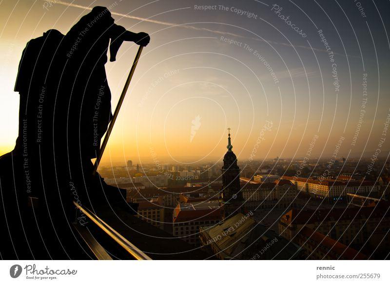 alt blau schön Stadt gelb Gefühle Deutschland ästhetisch Kirche Europa Dach Dresden Dom Sehenswürdigkeit Marktplatz bevölkert