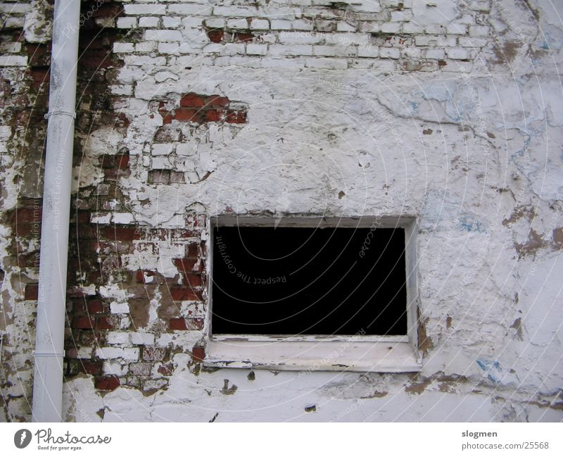 Black & White weiß schwarz Fenster Mauer Architektur Industriefotografie verfallen Ruine