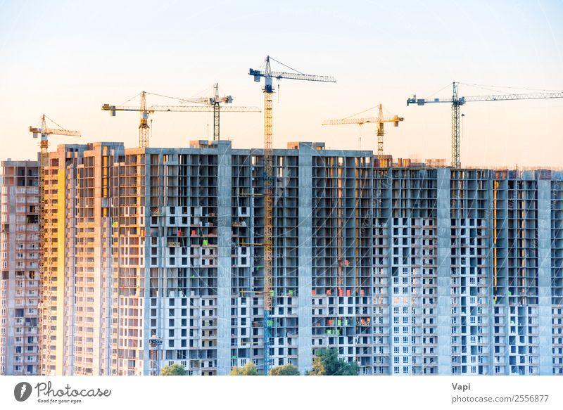 Baustelle mit Baukränen Design Häusliches Leben Wohnung Haus Traumhaus Hausbau Renovieren Arbeit & Erwerbstätigkeit Arbeitsplatz Industrie Business Maschine