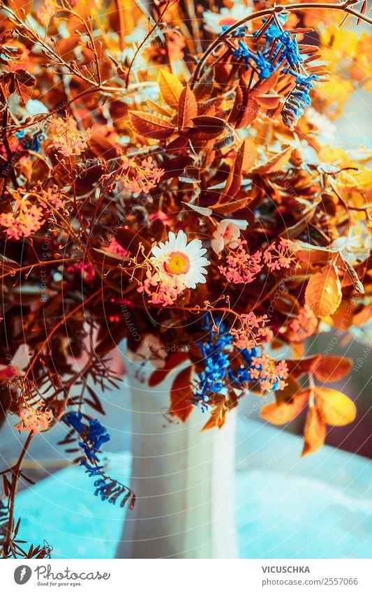 Herbst Blumenstrauß in Vase Lifestyle Design Leben Häusliches Leben Innenarchitektur Dekoration & Verzierung einfach gelb Stil Stillleben arrangiert herbstlich
