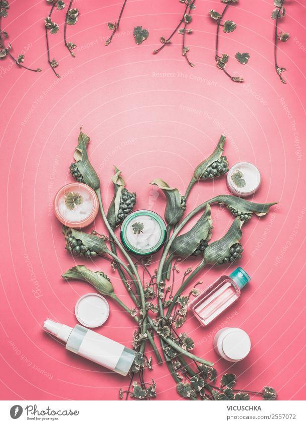 Natur Kosmetik mit grüne Pflanzen und BLumen schön Blume Gesundheit Gesicht Hintergrundbild Stil Mode Design modern Haut Dinge Wellness Körperpflege
