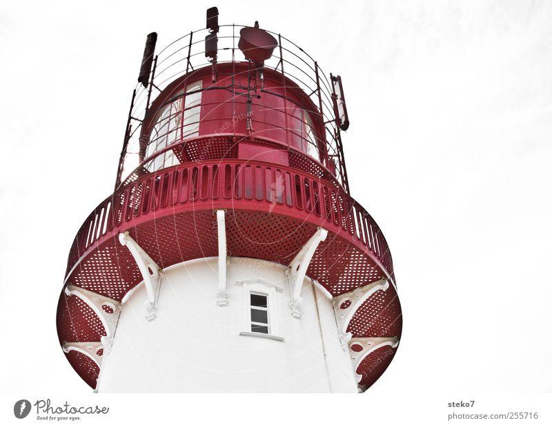 Rotkäppchen weiß rot Fenster Metall Fassade Dach Geländer Leuchtturm Antenne