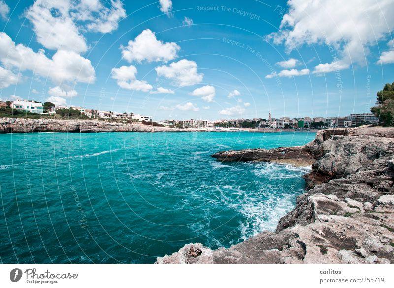Postkarte aus Porto Christo Urelemente Luft Wasser Himmel Wolken Sommer Schönes Wetter Wellen Küste Bucht ästhetisch Mittelmeer Felsen Klippe türkis blau weiß