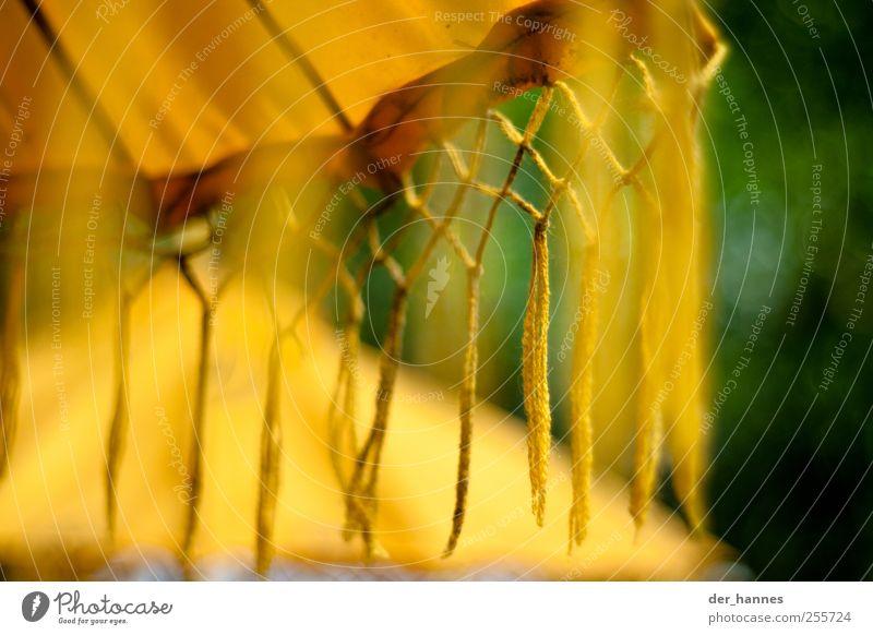 Fransen Kunst Zeichen Ornament ästhetisch exotisch Vorsicht Respekt Bali Sonnenschirm Gebet Gebetsfahnen gelb Religion & Glaube Farbfoto mehrfarbig Nahaufnahme