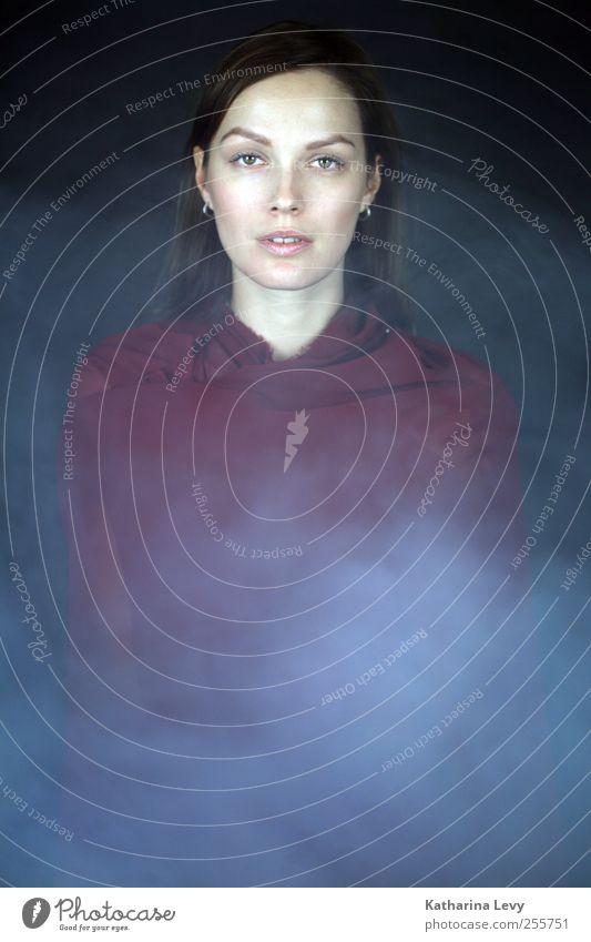 Phönix aus der Asche Frau Mensch Jugendliche schön rot ruhig Erwachsene Einsamkeit feminin Stil Wärme Religion & Glaube elegant Nebel Stoff einzigartig