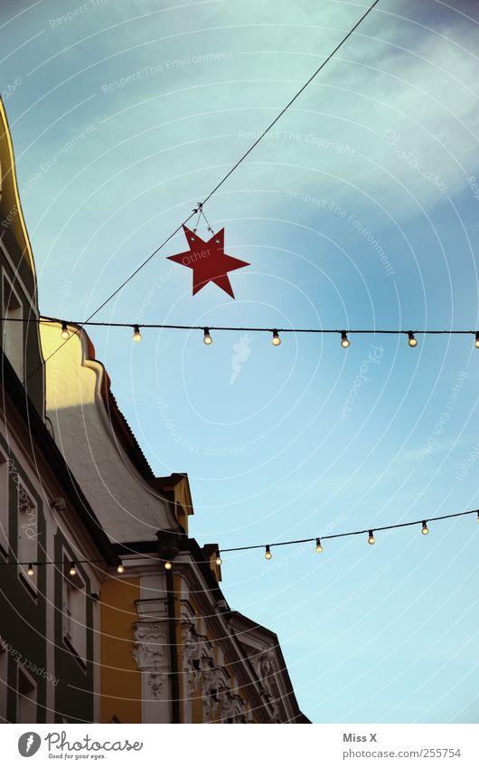 Weihnachtlich Weihnachten & Advent Lampe Feste & Feiern Fassade Stern (Symbol) leuchten Stadtzentrum Glühbirne Altstadt Weihnachtsdekoration Weihnachtsmarkt