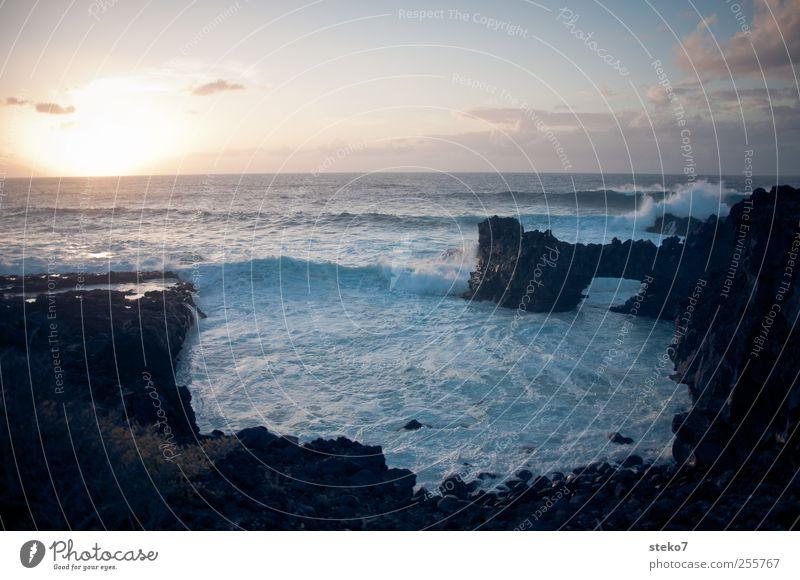 Spülbecken Himmel Sonnenaufgang Sonnenuntergang Wellen Küste Meer Horizont Ferne Kanaren Klippe Felsen Brandung Farbfoto Außenaufnahme Menschenleer