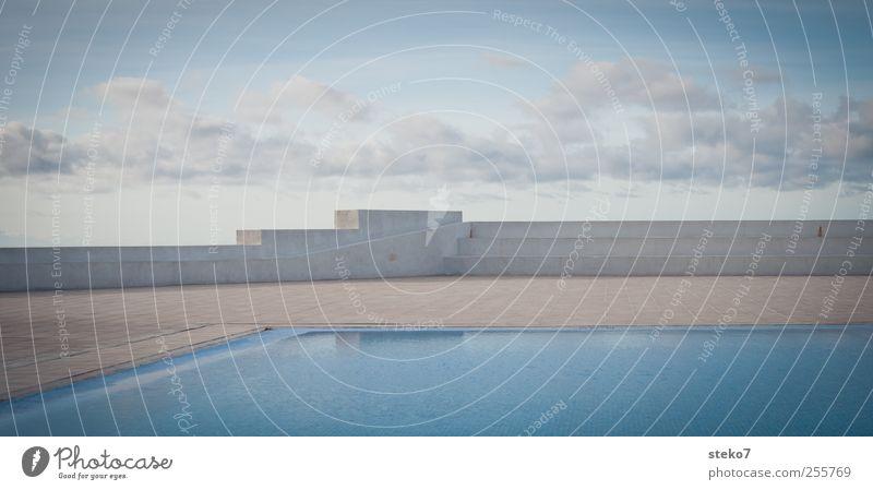 Elementeübergänge Himmel Wasser blau Ferien & Urlaub & Reisen Wolken Architektur Mauer Linie Terrasse