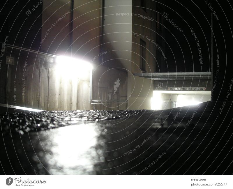 Garage Licht Reflexion & Spiegelung Nacht Stil Eingang Architektur