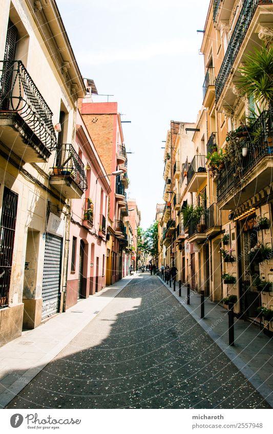 Barcelona Street Ferien & Urlaub & Reisen Tourismus Ausflug Sightseeing Städtereise Häusliches Leben Hauptstadt Stadtzentrum Altstadt Haus Traumhaus Gebäude