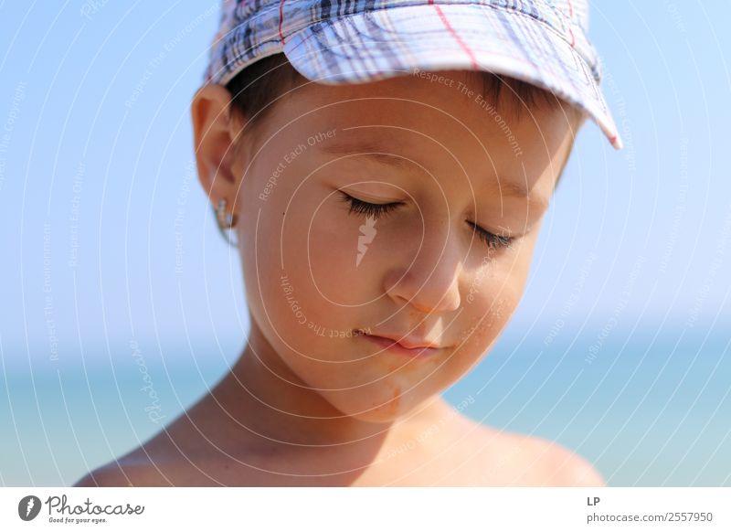 Kind Mensch Lifestyle Erwachsene Leben Gefühle Familie & Verwandtschaft Stimmung Angst Kindheit Baby gefährlich Zukunftsangst Bildung Stress Eltern