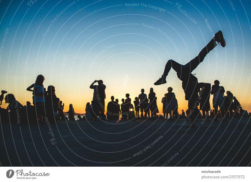 Street Dance Silhouette Lifestyle elegant Freude Glück Gesundheit Gesundheitswesen sportlich Fitness Wohlgefühl Zufriedenheit Ferien & Urlaub & Reisen Tourismus