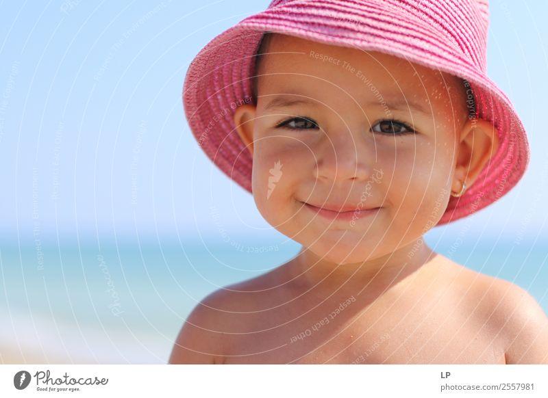 rosa Hut mit einem Lächeln Lifestyle Stil Freude schön Ferien & Urlaub & Reisen Freiheit Sommer Sommerurlaub Sonnenbad Muttertag Kindererziehung Bildung