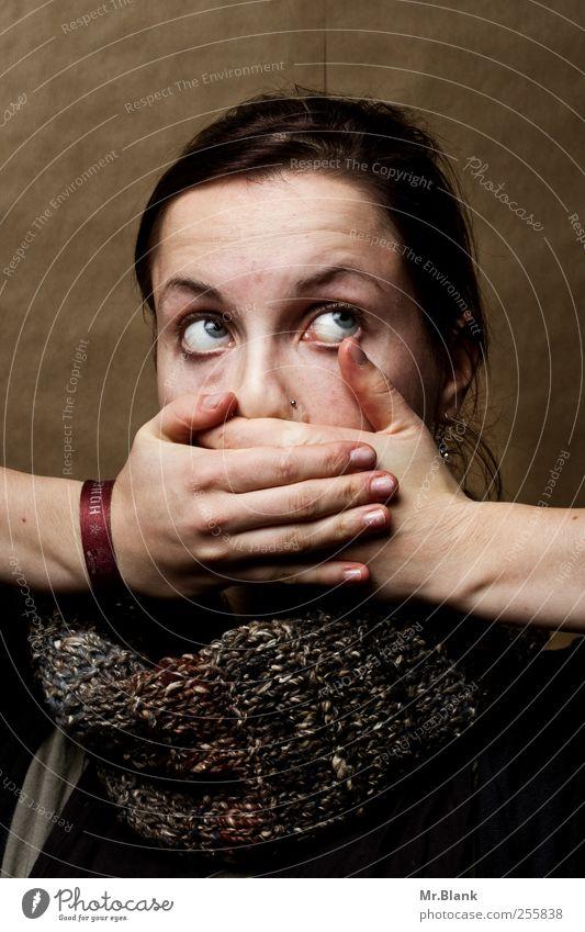 leiden für fotrgeschrittene I Mensch feminin Junge Frau Jugendliche 1 18-30 Jahre Erwachsene außergewöhnlich verrückt braun Angst Entsetzen Todesangst Stress