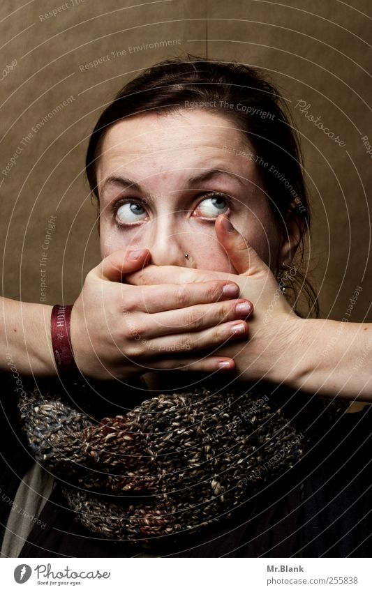 leiden für fotrgeschrittene I Mensch Jugendliche Erwachsene feminin braun Angst verrückt außergewöhnlich 18-30 Jahre Todesangst Stress Verzweiflung Sorge