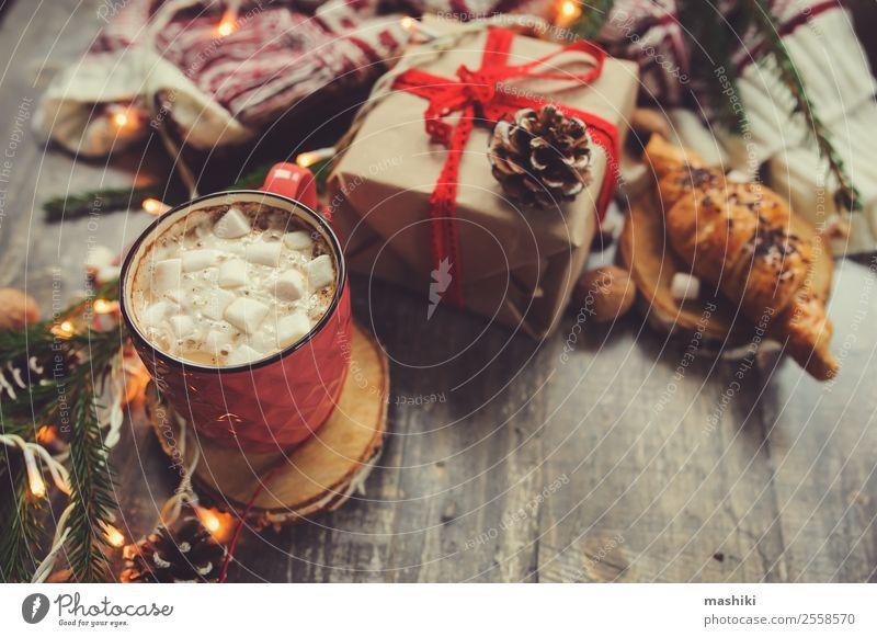Weihnachts-Tischaufsteller mit heißem Kakao Dessert Kaffee stricken Winter Dekoration & Verzierung Silvester u. Neujahr Paar Wärme Pullover Holz Geborgenheit