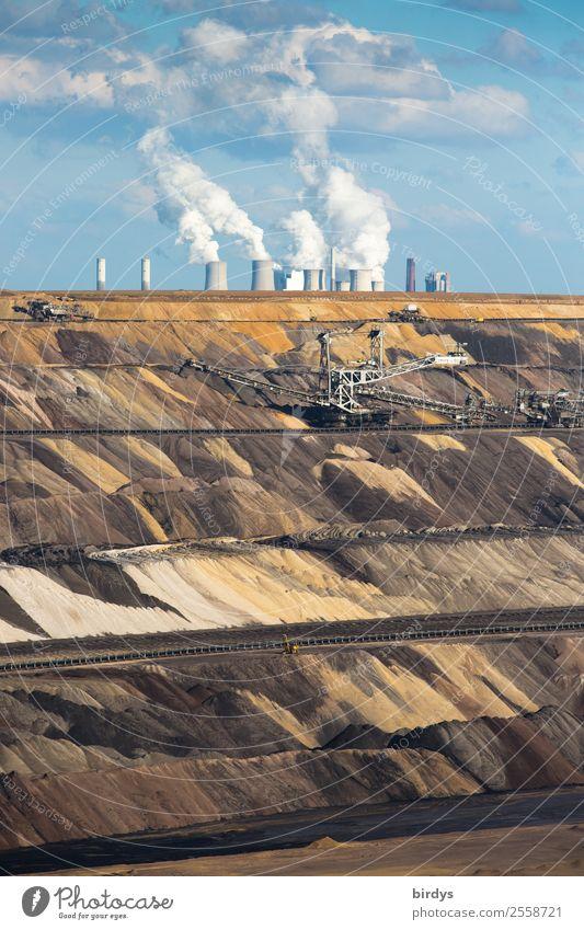 Heimat verbrennen, Luft verpesten Himmel blau Wolken gelb braun grau Arbeit & Erwerbstätigkeit Erde Energiewirtschaft authentisch Schönes Wetter gefährlich