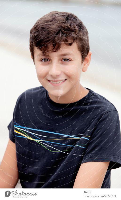 Netter Junge aus dem Alter von neun Jahren. Freude Glück schön Gesicht Sommer Kind Mensch Mann Erwachsene Kindheit Jugendliche Park Hemd Lächeln lachen