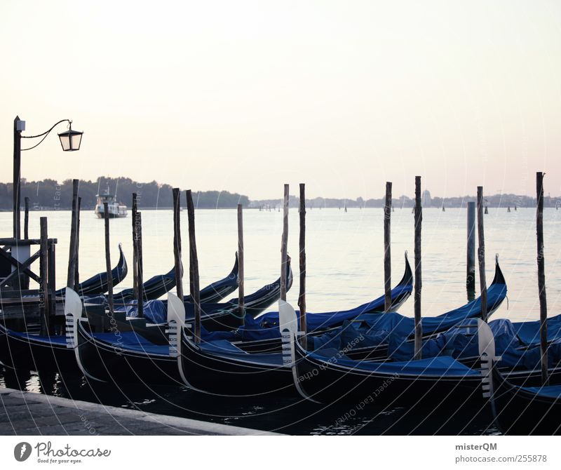 angelegt. Kunst ästhetisch Wasserfahrzeug Venedig Gondel (Boot) Anlegestelle Hafenstadt Reisefotografie Ferien & Urlaub & Reisen Urlaubsstimmung Urlaubsfoto