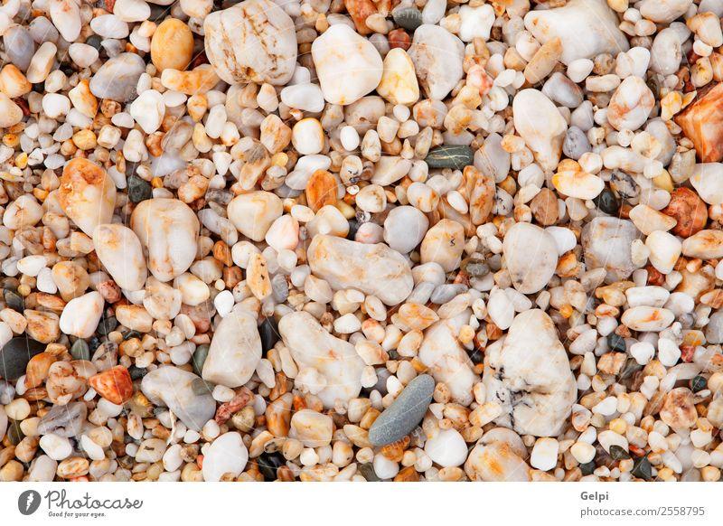 Tapete mit kleinen Steinen am Strand Spa Ferien & Urlaub & Reisen Sommer Meer Natur Felsen Küste Fluss nass natürlich blau grau schwarz weiß Farbe Hintergrund