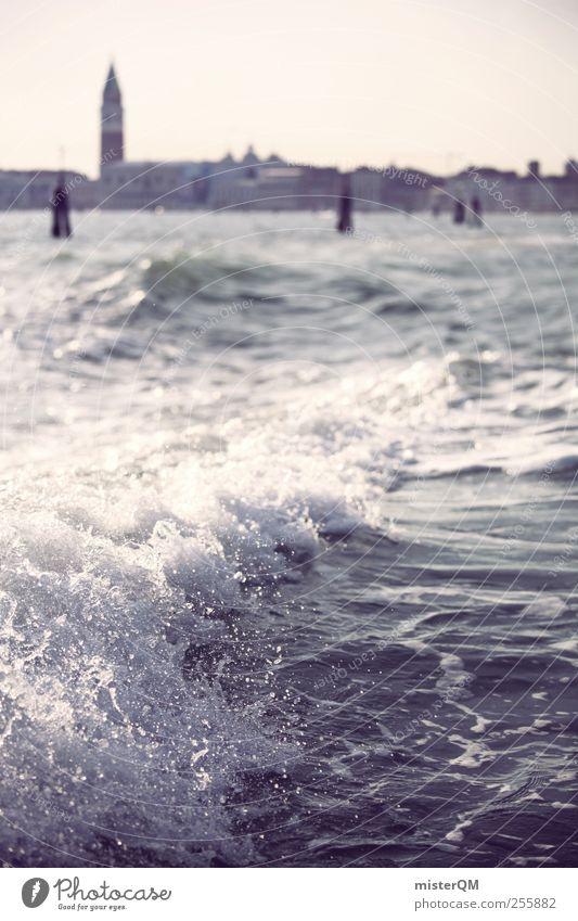 Good Bye Venice. Ferien & Urlaub & Reisen weiß gehen Wellen ästhetisch Romantik Skyline Schifffahrt Abschied Venedig Kunstwerk Kreuzfahrt Gischt Hafenstadt