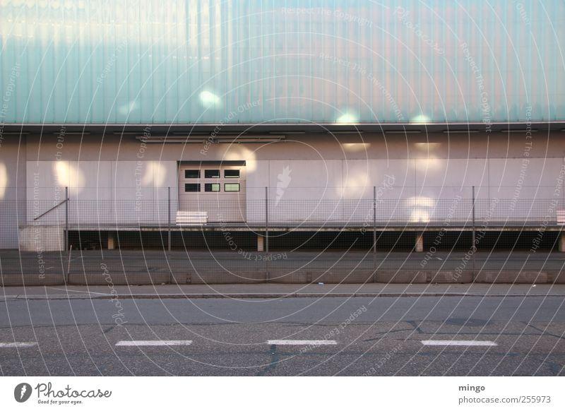 Garage blau grün Straße Wand grau Gebäude Mauer Tür Fassade Europa Industrie Schweiz Tor Inspiration Industrieanlage Zürich