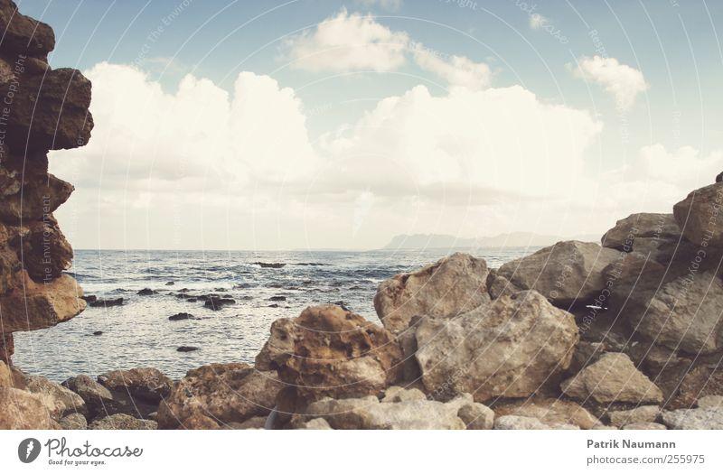 Küstenpanorama Himmel Natur Ferien & Urlaub & Reisen Sommer Meer Strand Wolken Erholung Umwelt Landschaft Fenster Leben Stein Horizont Wellen