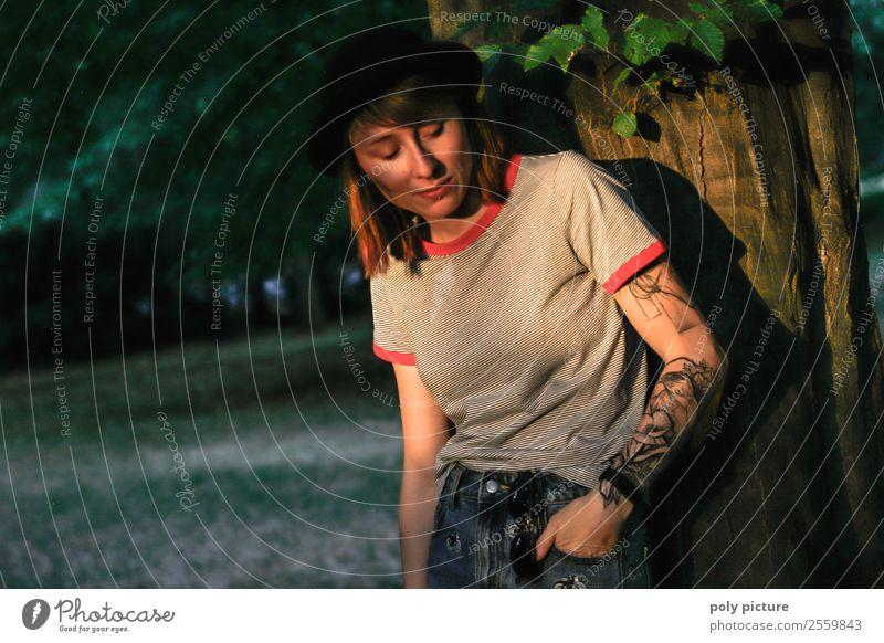 [LS137] - shine bright like a diamond Frau Jugendliche Junge Frau schön 18-30 Jahre Lifestyle Erwachsene Leben feminin Zufriedenheit Park 13-18 Jahre modern