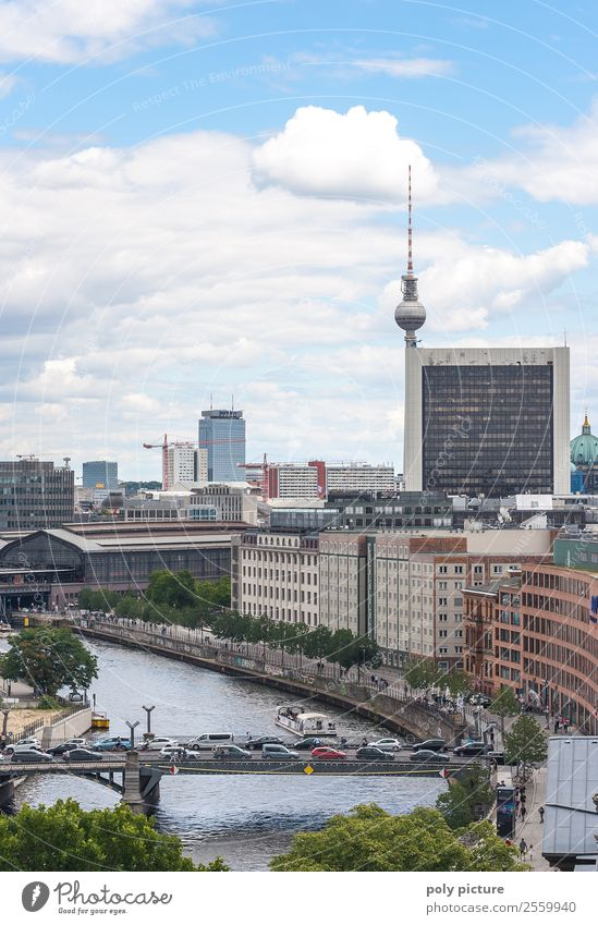 Berlin Innenstadt Sonne Sommer Herbst Schönes Wetter Hauptstadt Stadtzentrum Altstadt bevölkert Bahnhof Gebäude Architektur Sehenswürdigkeit Wahrzeichen