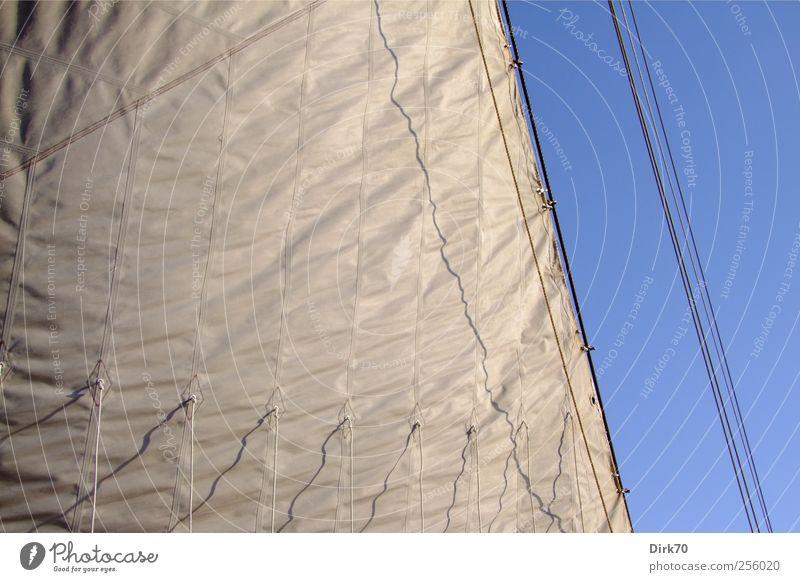 Sonne, Wind und mehr Segeln Abenteuer Ferne Freiheit Kreuzfahrt Schifffahrt Wasserfahrzeug Segelschiff Wolkenloser Himmel Schönes Wetter Nordsee Meer Seil