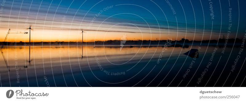 sunrise Windkraftanlage Umwelt Natur Landschaft Wasser Himmel Horizont Sonne Sonnenaufgang Sonnenuntergang Schönes Wetter Seeufer kalt ruhig Surrealismus