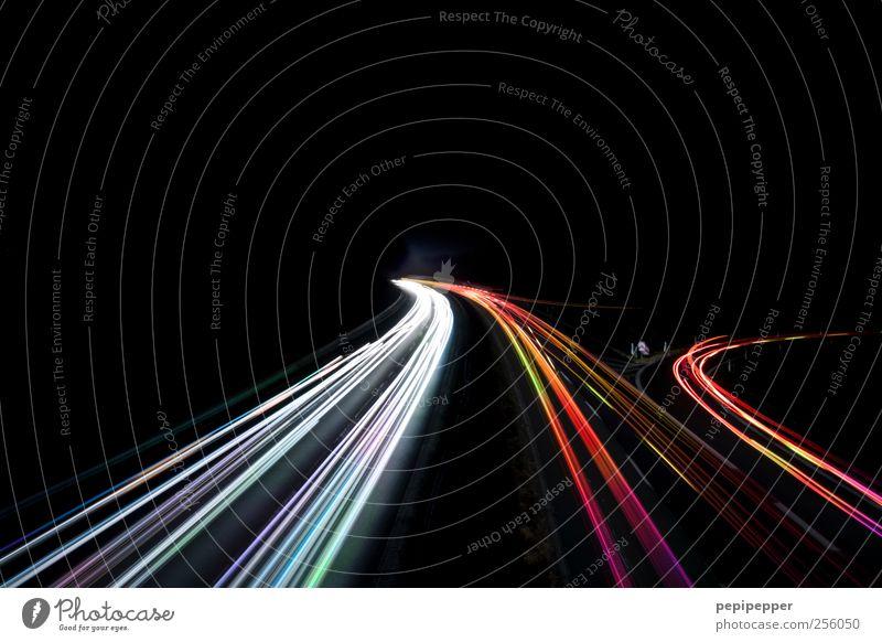datenautobahn Internet Verkehr Verkehrswege Straßenverkehr Autofahren Autobahn Fahrzeug Bewegung leuchten mehrfarbig Außenaufnahme Experiment abstrakt