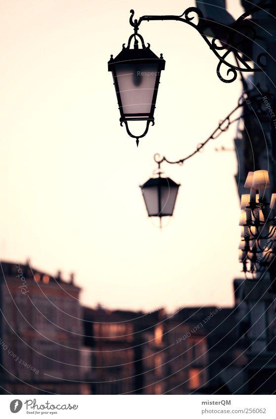 Großstadtromantik. Kunst ästhetisch Laterne Straßenbeleuchtung Venedig Veneto Sonnenuntergang Gasse Hafenstadt Romantik Italienisch Licht Fassade Haus