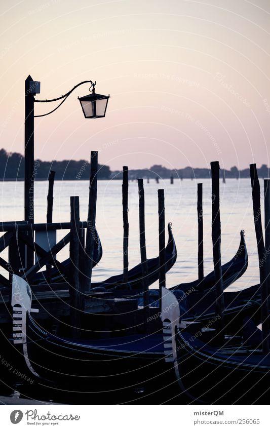 Am Steg. Meer Kunst Wasserfahrzeug Abenteuer ästhetisch Romantik Idylle Italien Anlegestelle Venedig abgelegen Hafenstadt Meerwasser Gondel (Boot) Italienisch