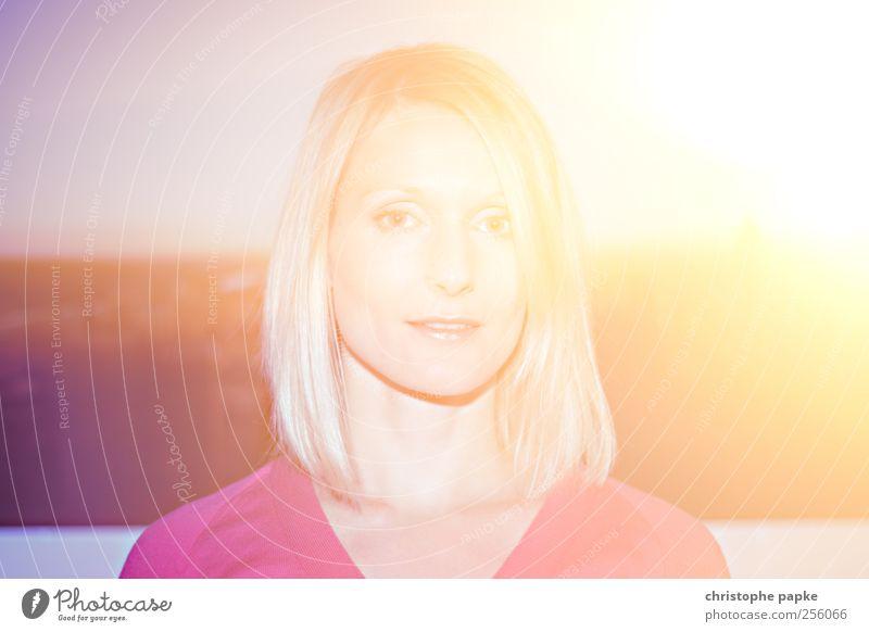 Spektrum Mensch Jugendliche Sonne Sommer Erwachsene feminin hell blond 18-30 Jahre retro Junge Frau fantastisch Farbfleck Natur Retro-Farben Fehlfarbe