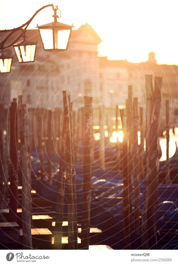 Morgengold. blau Ferien & Urlaub & Reisen Meer Lampe Kunst orange ästhetisch Idylle Laterne Steg Anlegestelle Venedig Barock Hafenstadt Morgendämmerung