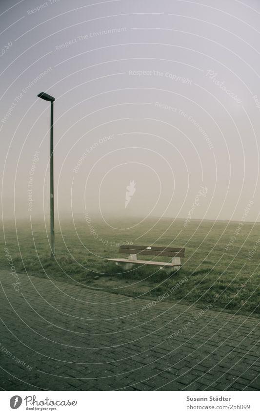 am Hafen | Spiekeroog Wiese Landschaft Nebel stehen Bank Nordsee Laterne Fußweg Dunst Deich Nebelmeer Nebelwand