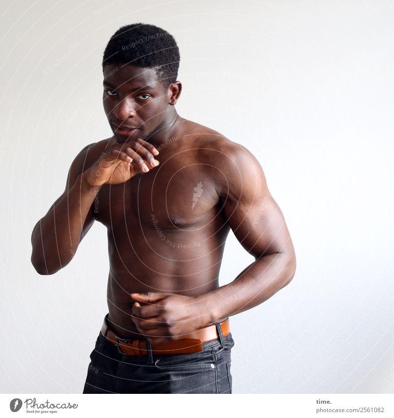 Kekeli Sport Fitness Sport-Training Kampfsport Sportler Boxer Boxsport maskulin Mann Erwachsene 1 Mensch Hose Gürtel schwarzhaarig kurzhaarig beobachten