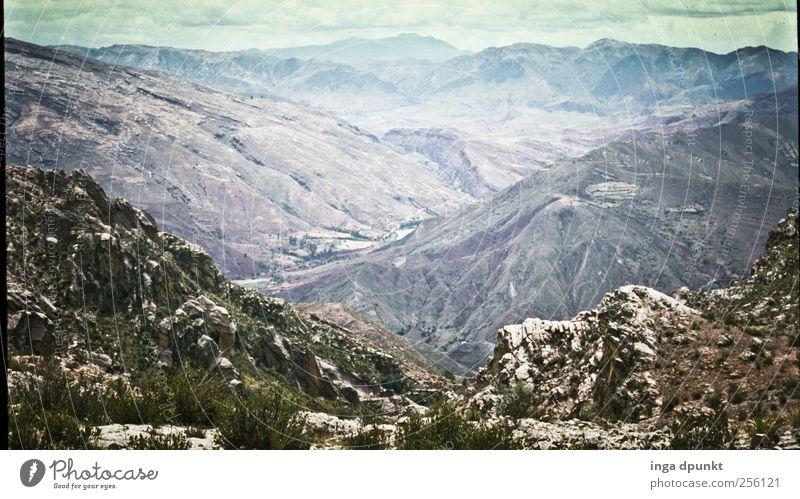 Los Andes Ferien & Urlaub & Reisen Einsamkeit Ferne Umwelt Landschaft Freiheit Berge u. Gebirge grau Erde Felsen wandern Abenteuer Tourismus trist Urelemente