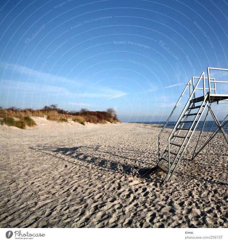 kurz mal weg paar Sterne pflücken Himmel Natur Strand Wolken Einsamkeit Erholung Herbst Umwelt Gras Sand Küste Metall Stimmung Horizont Kraft Treppe