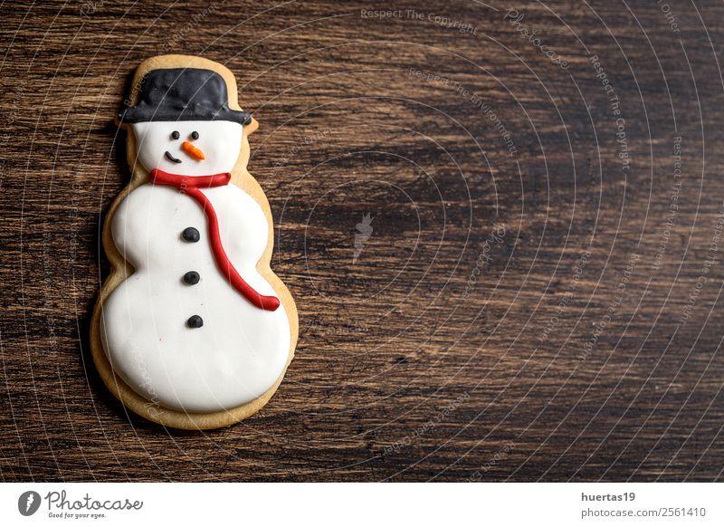 Weihnachtsgebäck auf Holztisch. Lebensmittel Dessert Süßwaren Ferien & Urlaub & Reisen Dekoration & Verzierung Weihnachten & Advent Silvester u. Neujahr