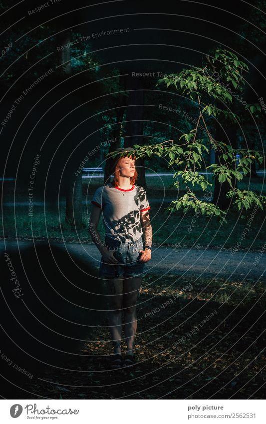 Sunbath in the Shadow - [LS142] Junge Frau Jugendliche Erwachsene Leben 13-18 Jahre 18-30 Jahre 30-45 Jahre Sonnenaufgang Sonnenuntergang Frühling Sommer Park