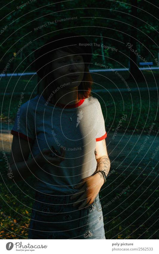 hidden treasure - [LS139] Lifestyle Junge Frau Jugendliche Erwachsene Leben 13-18 Jahre 18-30 Jahre 30-45 Jahre Natur Sonnenaufgang Sonnenuntergang Sonnenlicht