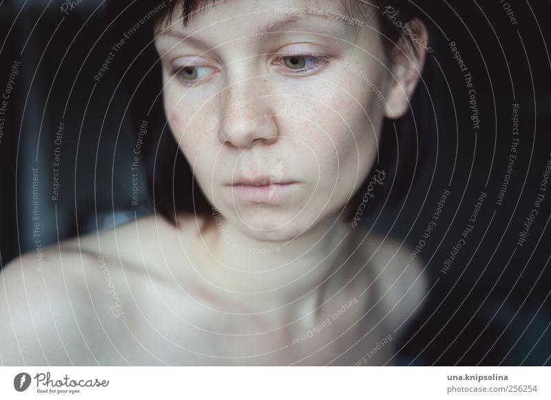naked as we came Mensch Frau Jugendliche schön Einsamkeit ruhig Gesicht Erwachsene feminin Gefühle Traurigkeit Denken träumen Stimmung Haut natürlich