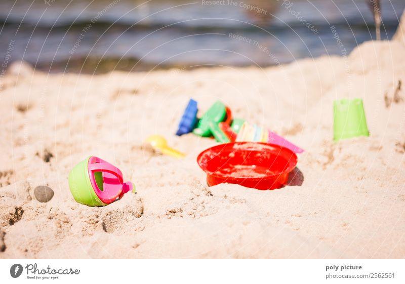 Sandspielzeug am Strand Wellness harmonisch Freizeit & Hobby Spielen Ferien & Urlaub & Reisen Tourismus Ausflug Ferne Freiheit Sommer Sommerurlaub Sonne