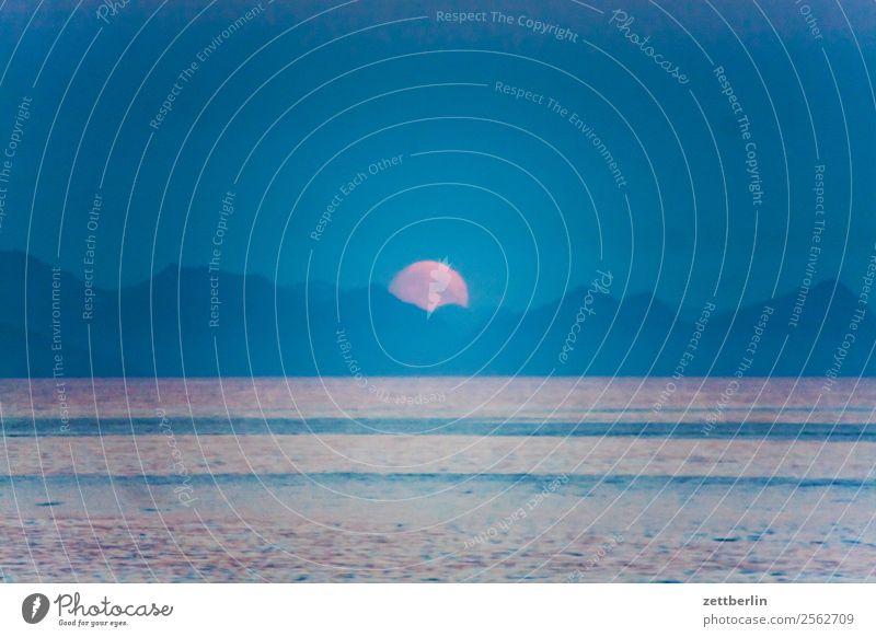 Mondaufgang in Kabelvåg Polarmeer Europa Felsen Ferien & Urlaub & Reisen Fjord Himmel Himmel (Jenseits) Horizont Insel Landschaft Lofoten maritim Meer Natur