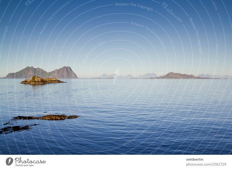 Høla vor Kabelvåg Himmel Natur Ferien & Urlaub & Reisen Himmel (Jenseits) Wasser Landschaft Meer ruhig Reisefotografie Ferne Textfreiraum Felsen Horizont Europa