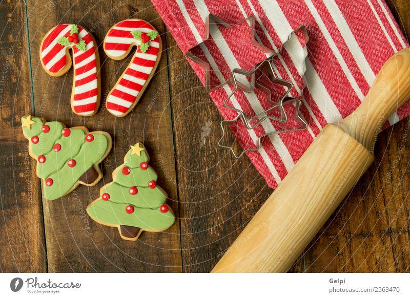 Weihnachten & Advent grün Baum rot Winter Holz Feste & Feiern braun Dekoration & Verzierung Tisch Kräuter & Gewürze lecker Jahreszeiten Tradition Dessert