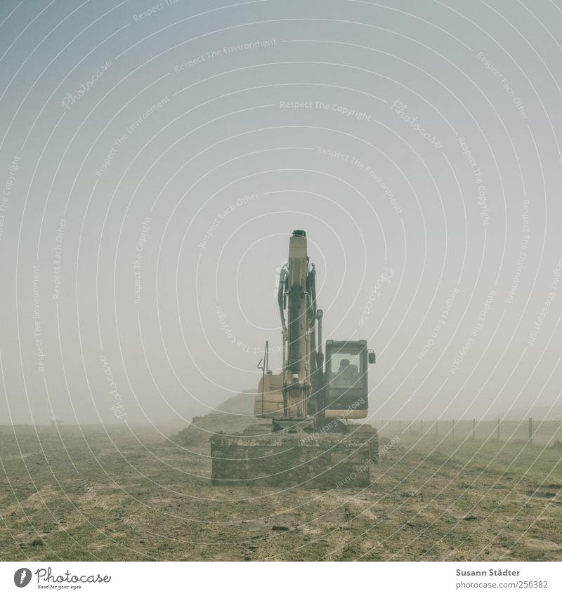 Deichbau | Spiekeroog dunkel Wege & Pfade Nebel Industrie Baustelle Telekommunikation Maschine Ackerbau bauen Straßenverkehr Verkehrsmittel Bagger Erneuerung